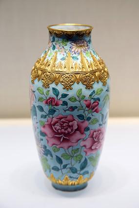 画珐琅花卉纹瓶