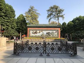 佛山祖庙的双龙壁中庭