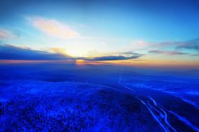 大兴安岭冬季雪域山林夕照