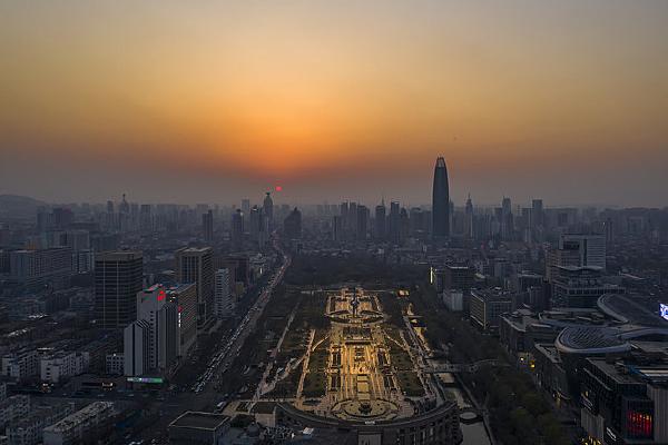 济南泉城广场日落