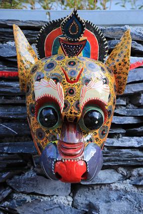 彩绘傩戏面具
