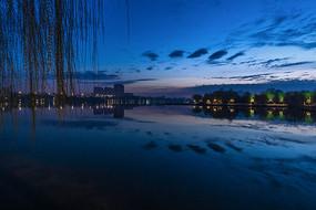大明湖蓝调美景