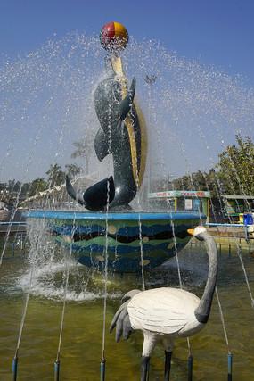 深圳野生动物园海豚喷泉雕塑