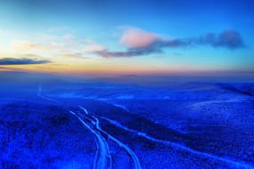 航拍大兴安岭雪域山林山路风景