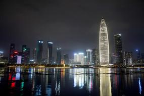 深圳湾高楼夜景