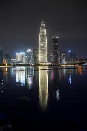 深圳湾高楼夜色风光