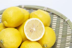 一竹筐檸檬