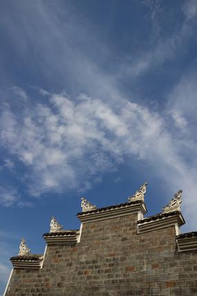 重慶巫山大昌古鎮建筑與藍天白云