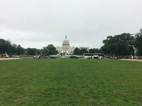 美国国会山大草坪