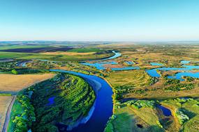 呼伦贝尔春季原野河流