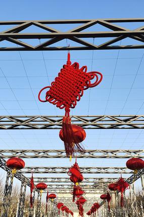 悬挂的中国结