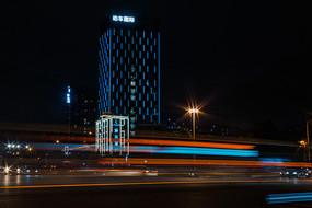 動車國際高樓夜景