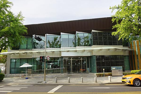 韩国青瓦台的青瓦台路1号大楼