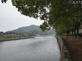 溪口淡江水