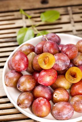 西梅水果图片