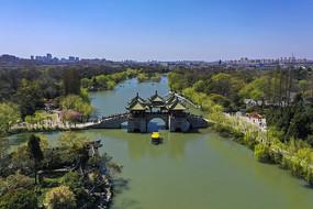 航拍扬州五亭桥