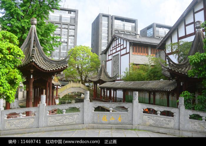 成都龙潭水乡光明桥和香山桥图片