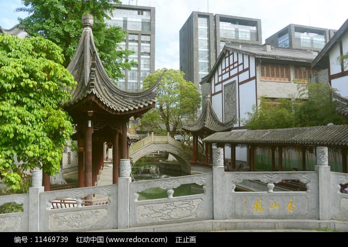 成都龙潭水乡石桥园林景观图片