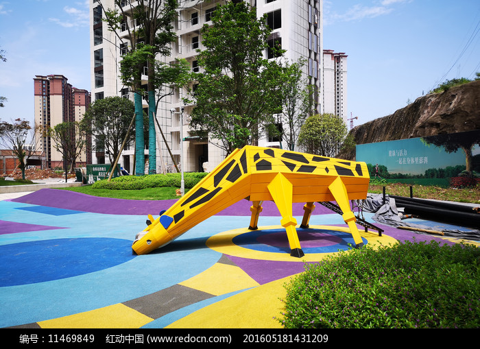 长颈鹿景观雕塑图片
