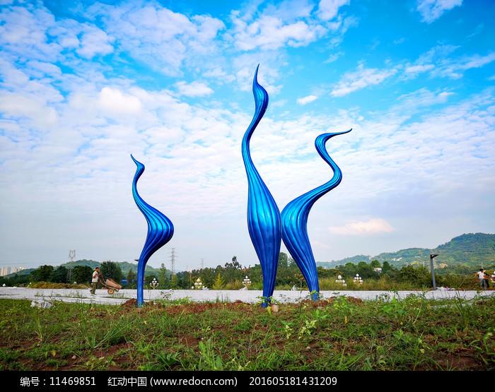 蓝色鸟景观雕塑图片