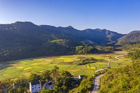 山野田园风光摄影图