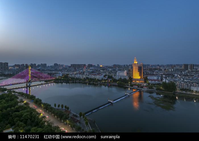 信阳浉河夜景摄影图图片