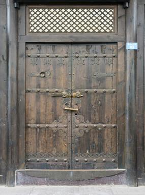 成都窄巷子庭院中式木门