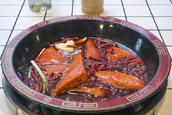 重庆美食-牛油火锅