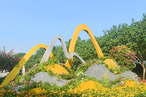 深圳市民中心广场 山水意境园艺
