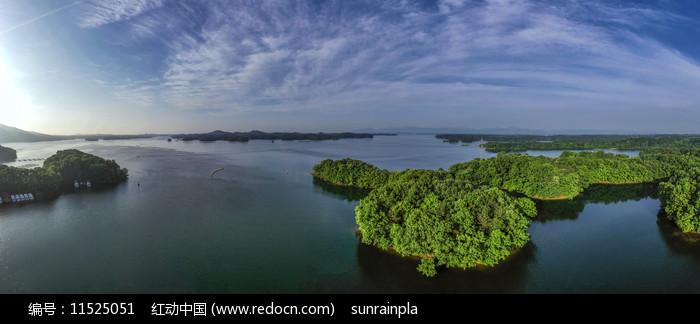 宽幅信阳南湾湖风光图片