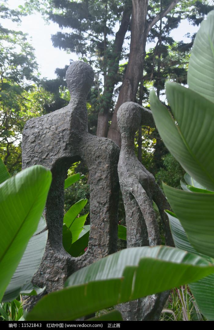 深南大道雕塑广场男女青年塑像图片