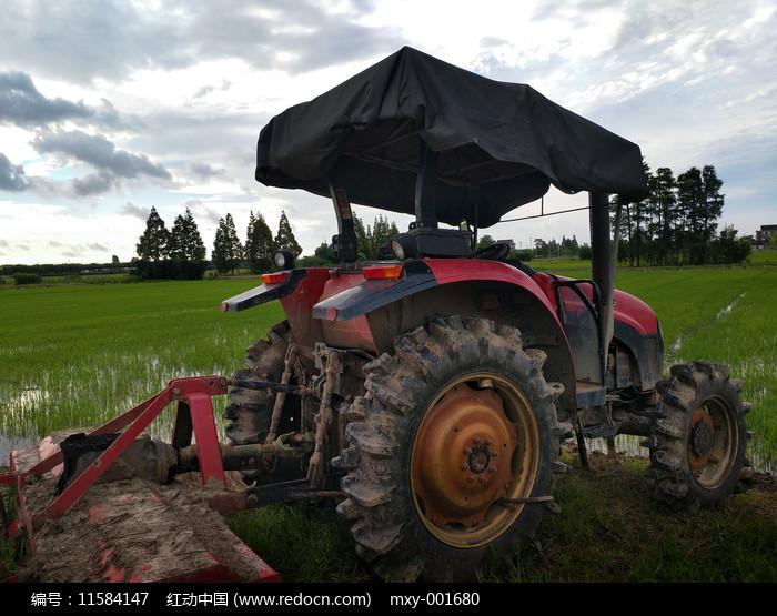 稻田农机图片