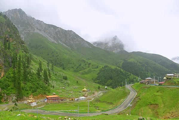 甘孜乃龙神山6983县道公路