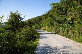 绿色青山中乡村公路