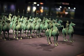 青铜军士和战马