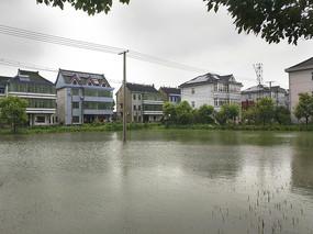 村庄水淹农田