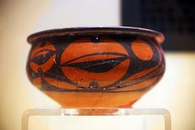 带底纹的古老陶器