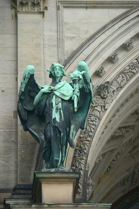 德国柏林大教堂-人物铜塑