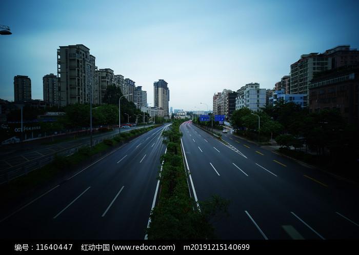 深圳布龍路坂田段長曝光圖片
