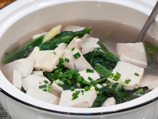 中国传统菜品青菜豆腐汤