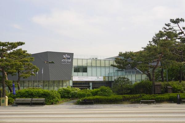 韩国旅游展览中心-青瓦台舍廊斋