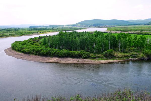 呼伦贝尔绿色原野河流