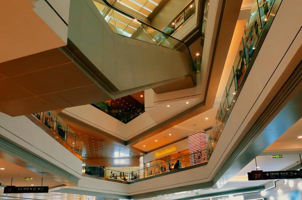 商场大楼内部