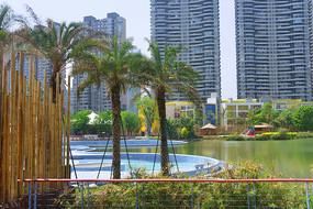 成都江滩公园户外游泳池