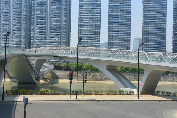成都锦江沿城市岸路桥建筑