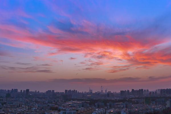 城市黎明风光