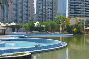 四川成都江滩公园户外游泳池