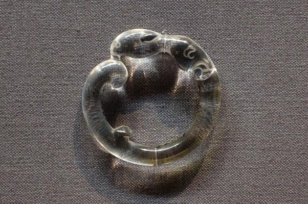 明代鹦鹉形水晶环