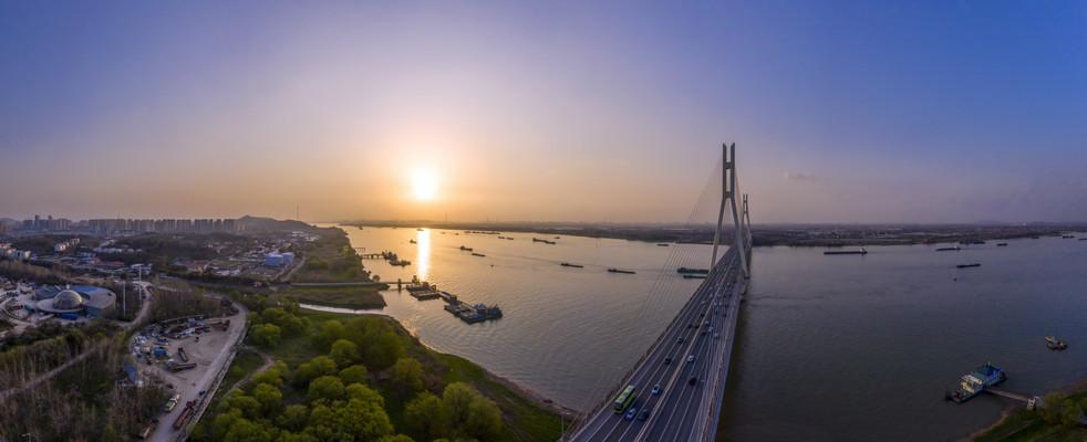 宽幅日落南京八卦洲长江大桥美图美图