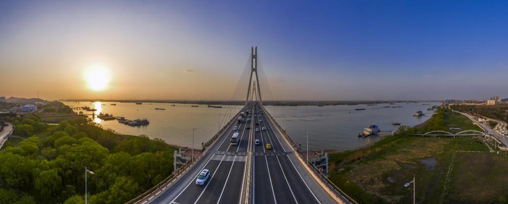 鸟瞰南京八卦洲长江大桥日落壮丽景色